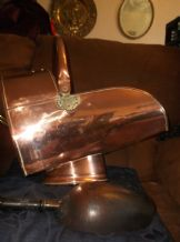 ANTIQUE LARGE COPPER COAL SCUTTLE + SHOVEL ART NOUVEAU FLEUR DE LYS RIVETS